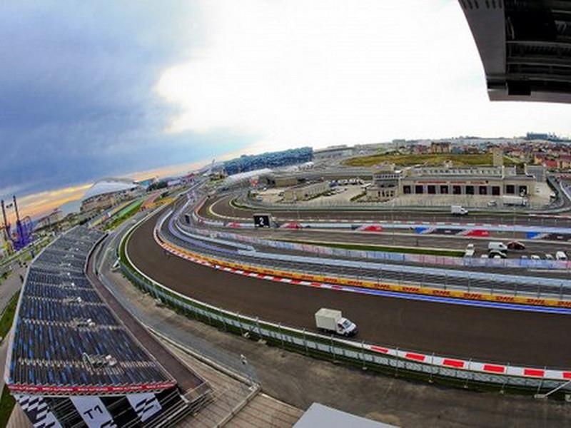 Первый день гран-при «Формулы-1» посетили около 10 тысяч болельщиков