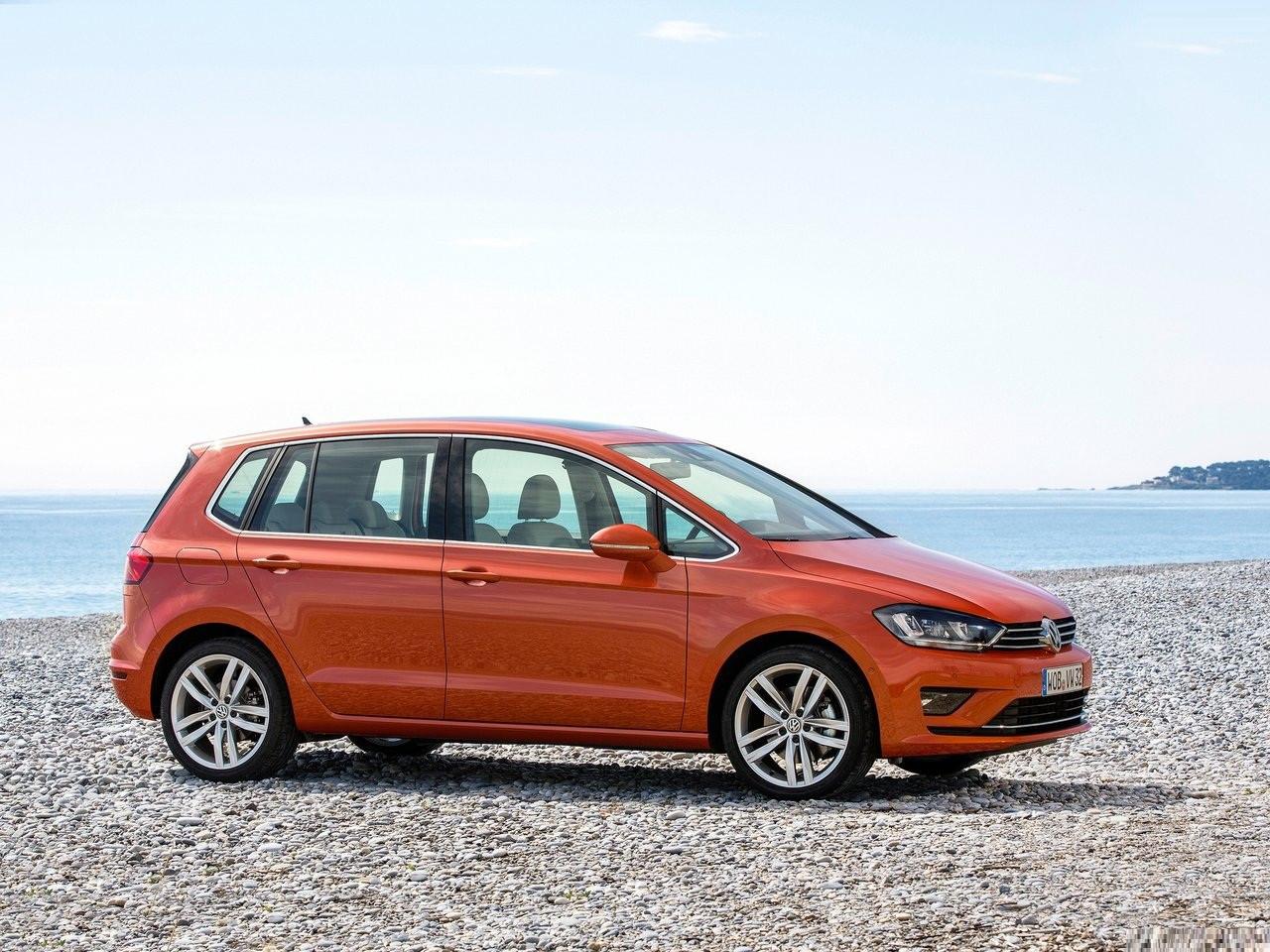 VW выпустил кросс-версию компактвэна Golf Sportsvan