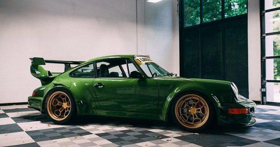 Японский дизайнер Акира Накаи презентовал безупречную  модель Порш  911
