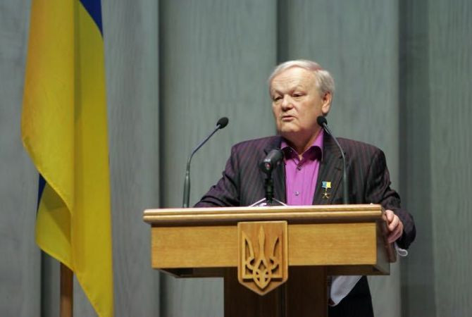 Поэт Борис Олийнык скончался после тяжелой болезни