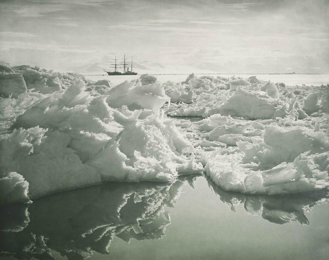 Судно «Академик Трешников» возвратилось изАнтарктической экспедиции