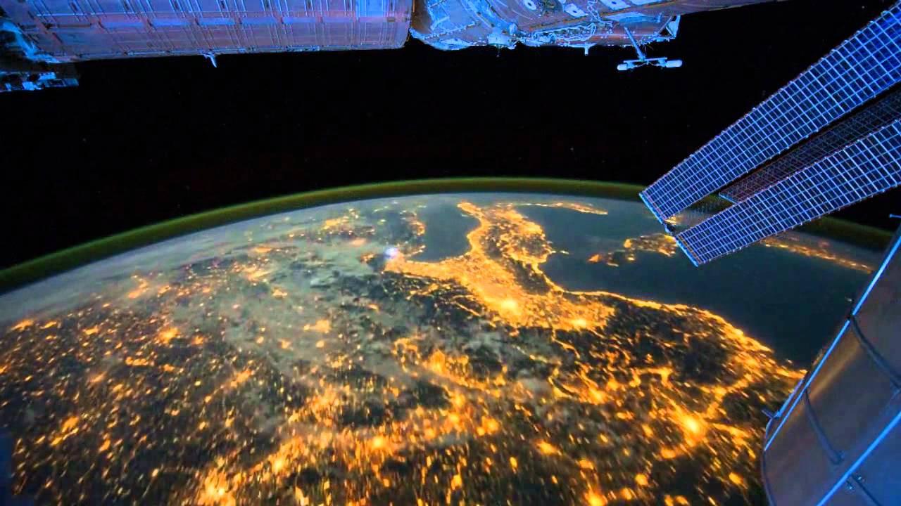 Французский астронавт поведал озеленом поле Земли