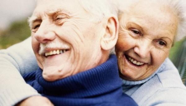 Лекарство от боли, помощь пожилым людям или приступы астмы: о пользе и вреде смеха