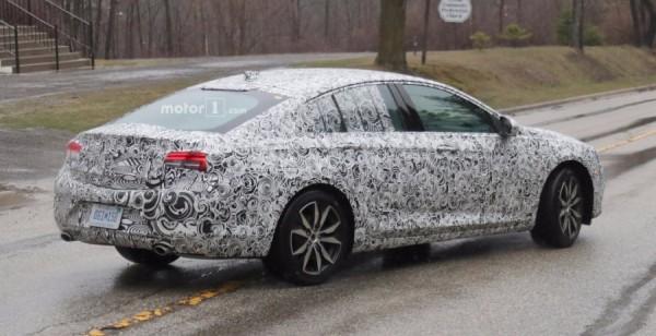 В сети появились кадры Buick Regal TourX