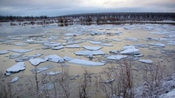 На реках Сибири начался ледоход