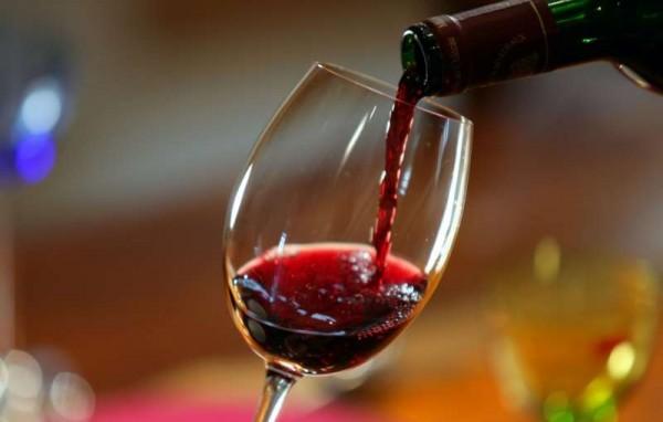 Ученые: Злоупотребление алкоголем провоцирует экзему