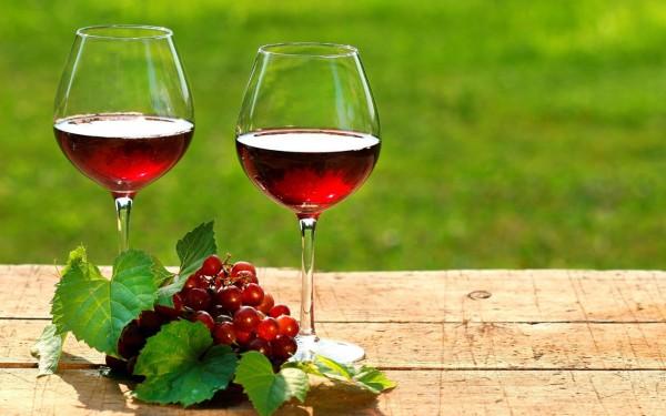 Ученые: Вино активирует работу мозга