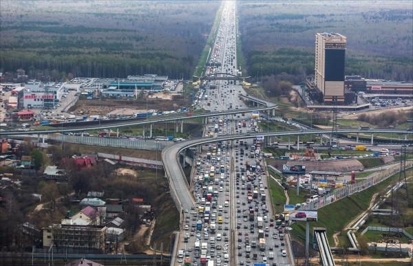 Более 18 миллионов квадратных метров дорог отремонтируют в Москве
