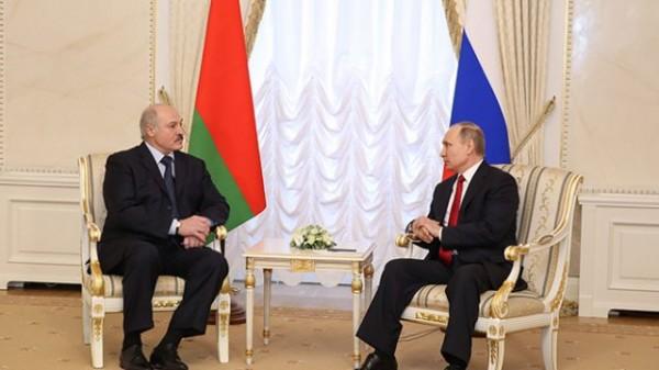 Лукашенко: Россия компенсирует цену за газ Белоруссии за счет реэкспорта нефти