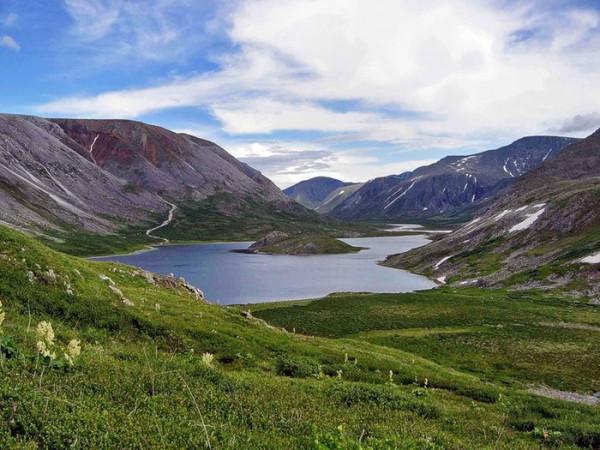 Китайские туристы вредят Байкальскому озеру