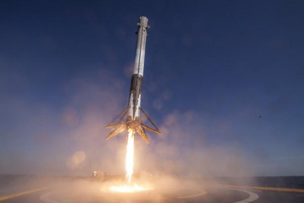 В Роскосмосе оценили перспективы возвращаемых ступеней SpaceX