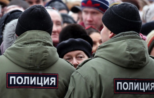 В Госдуме предложили разрешить полиции стрелять по женщинам