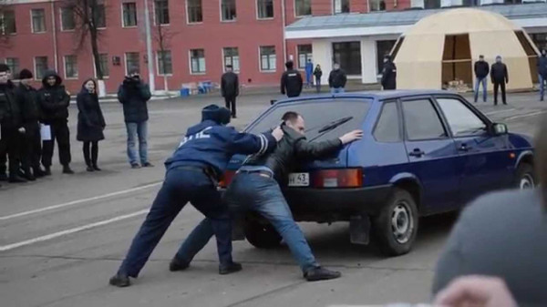 Полицейским хотят разрешить доставлять граждан в медвытрезвители