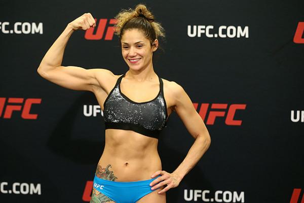 UFC разрешил выйти на ринг женщине с силиконовой грудью
