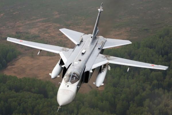 В Хабаровском крае бомбардировщики ВВО уничтожили аэродром условного противника