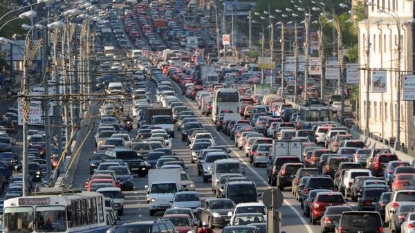 В Москве с 14 по 16 апреля ограничат движение транспорта