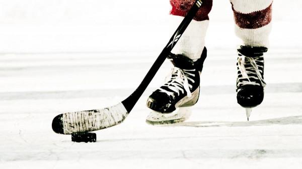 В Челябинске сборная России по хоккею уступила французам в овертайме