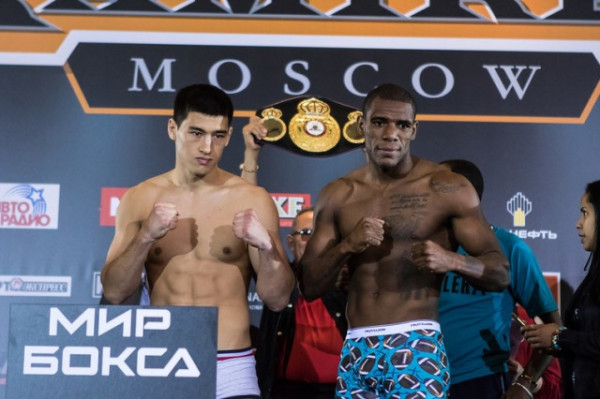 Российский боксер Бивол защитил титул чемпиона мира WBA