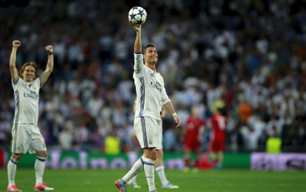 Роналду установил новый рекорд, забив 100-й гол в Лиге Чемпионов