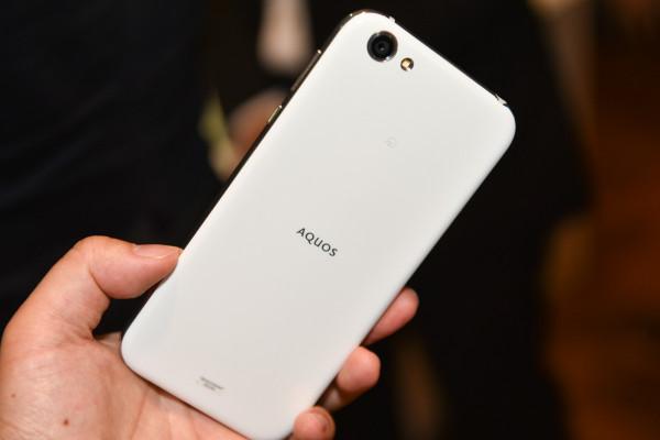 Sharp анонсировала выход смартфона Aquos R с 64 Гб внутренней памяти