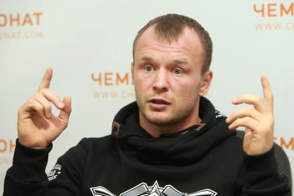 Боец UFC Нурмагомедов сразится в «умной» игре с Карякиным