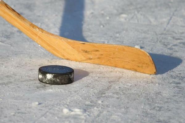 Российские хоккеисты проиграли швейцарцам 1:2