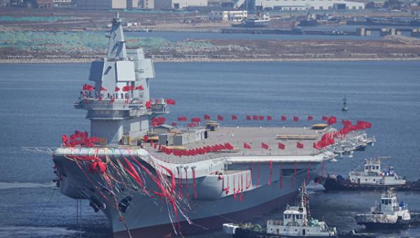 В Китае спустили на воду первый авианосец национального производства