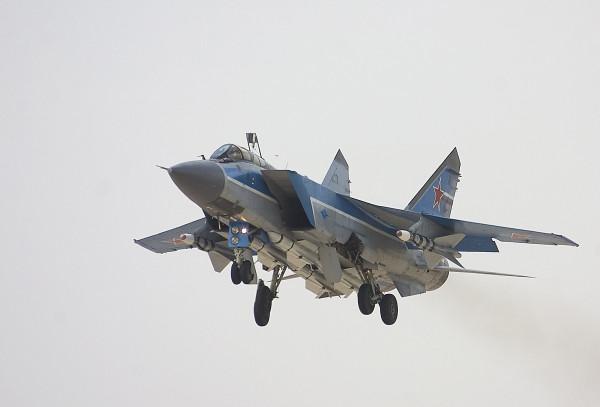 Пилоты упавшего  в Бурятии истребителя  МиГ-31 найдены жывими