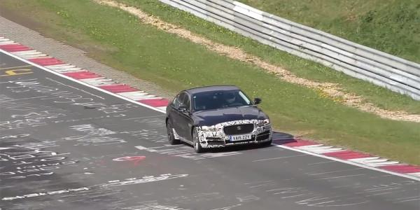 Jaguar начал тестировать обновленный седан XE