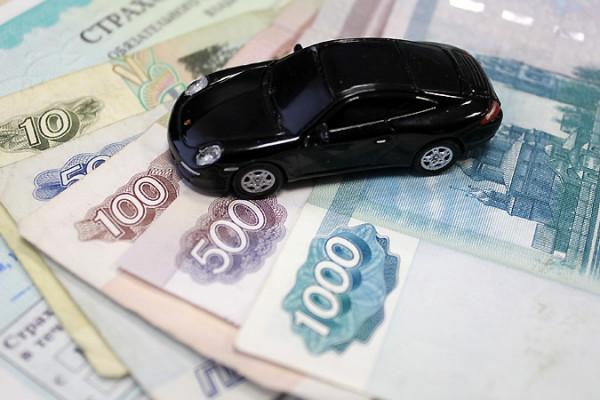 Каждый 50-й автомобилист в РФ может оказаться невыездным на майские праздники