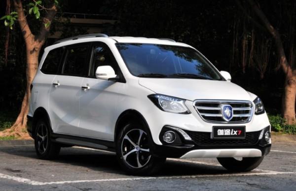 Китай пополнит рынок российских автомобилей «убийцей Lada Largus»