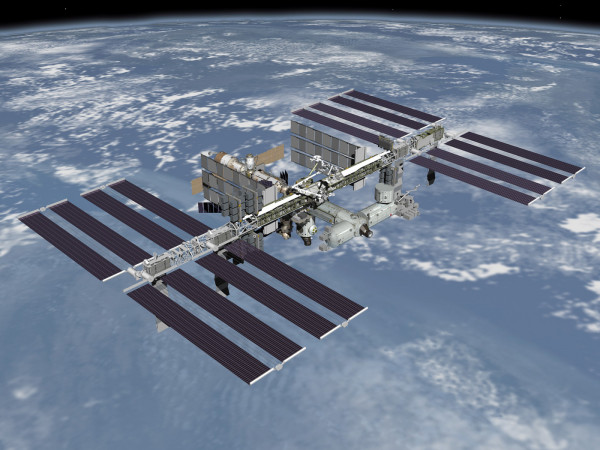 Орбиту МКС увеличили еще почти на 1 км