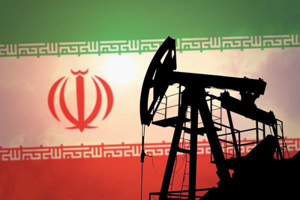 Иран продлит сделку по сокращению добычи нефти