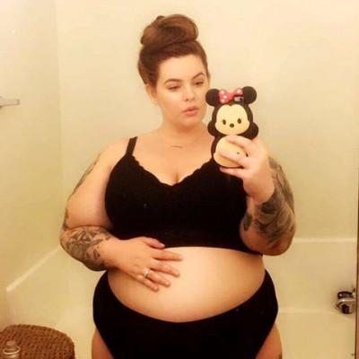 «Плюс сайз» модель Тесс Холлидей шокировала поклонников интимными фото