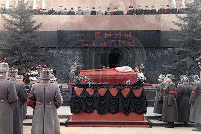 В Госдуме создадут юридические механизмы захоронения Ленина