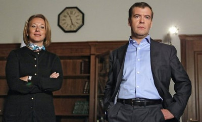 Пресс-атташе Медведева прокомментировала скандал вокруг своего шефа