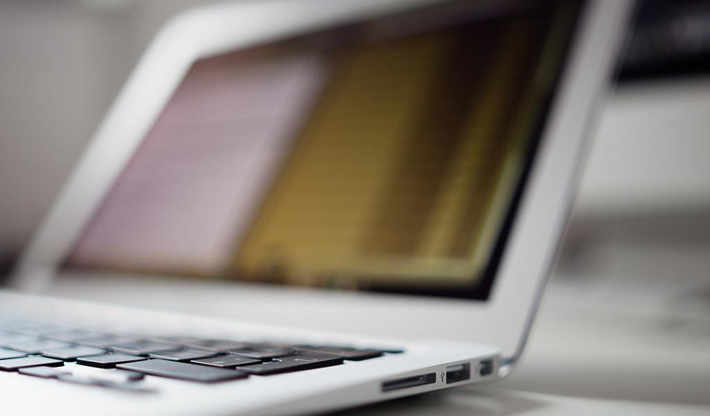 Apple больше несобирается чинить пластиковые MacBook