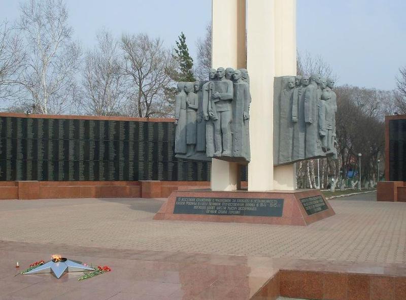 Вандалы разбили подсветку мемориала воинам-уссурийцам
