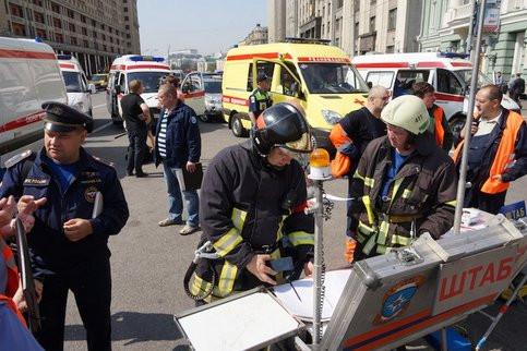 Пожарный вертолет вылетел кместу сильного возгорания в помещении вцентре столицы