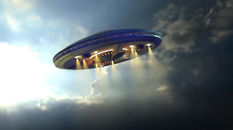Житель Ростова-на-Дону снял на видео НЛО в ночном небе