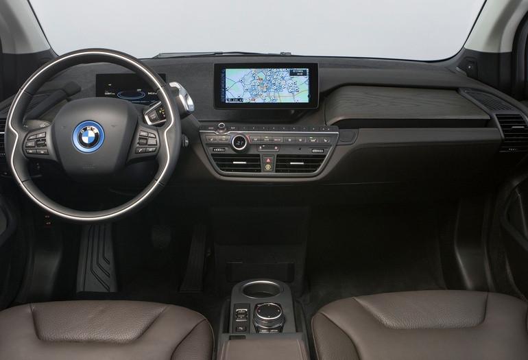 БМВ предлагает кзаказу лимитированную БМВ i3 Carbon Edition