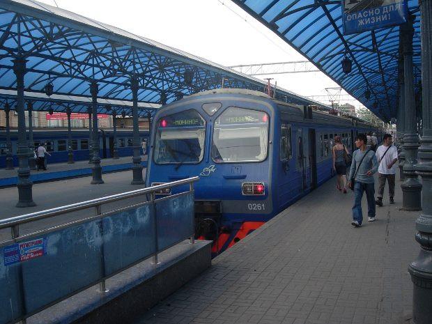 НаЯрославском вокзале в столицеРФ электричка насмерть сбила мужчину