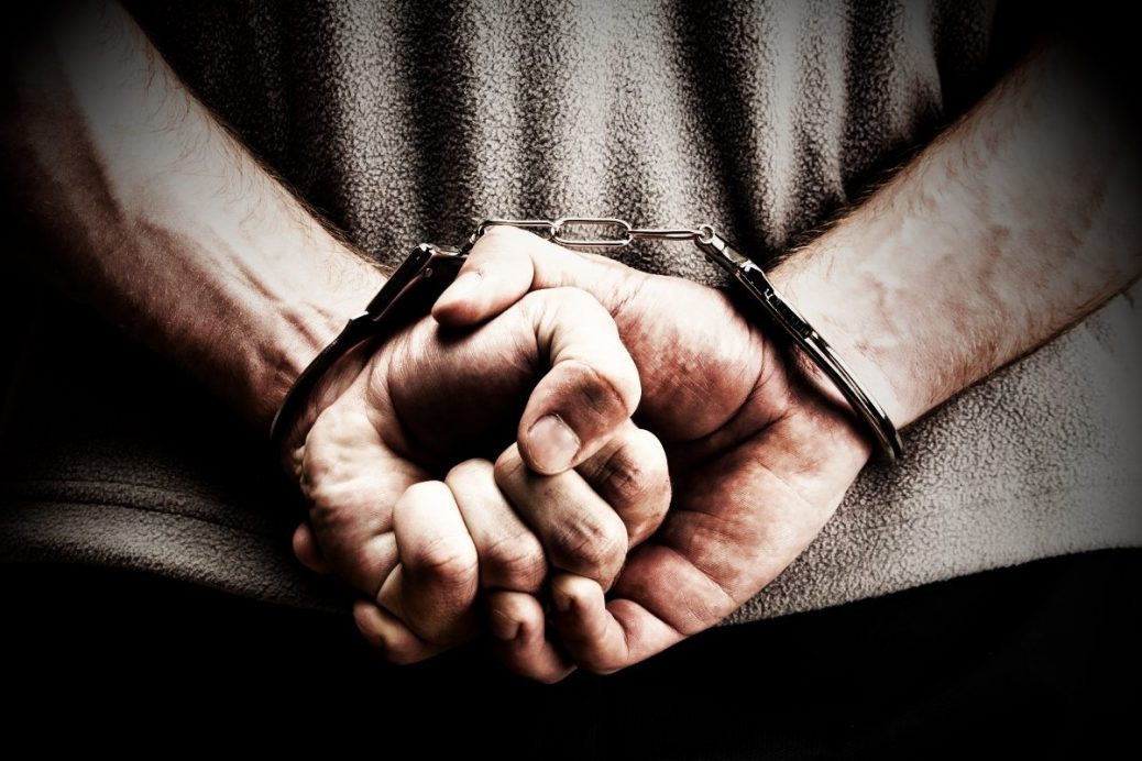 ВКазани задержали мужчину, стрелявшего вполицейских