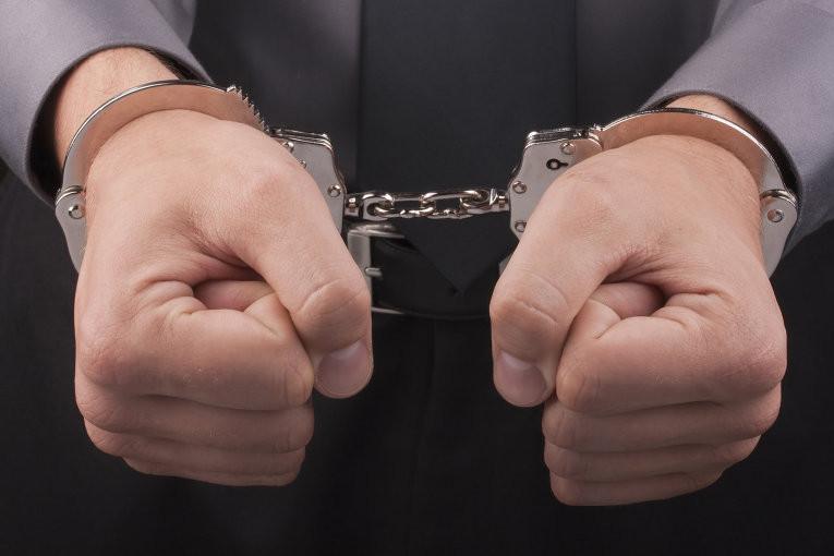 Сотрудника ФСБ арестовали заполучение взятки отгендиректора культурного заведения в столице