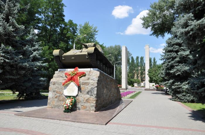 ВМелитополе разгромили братскую могилу Героев ВОВ