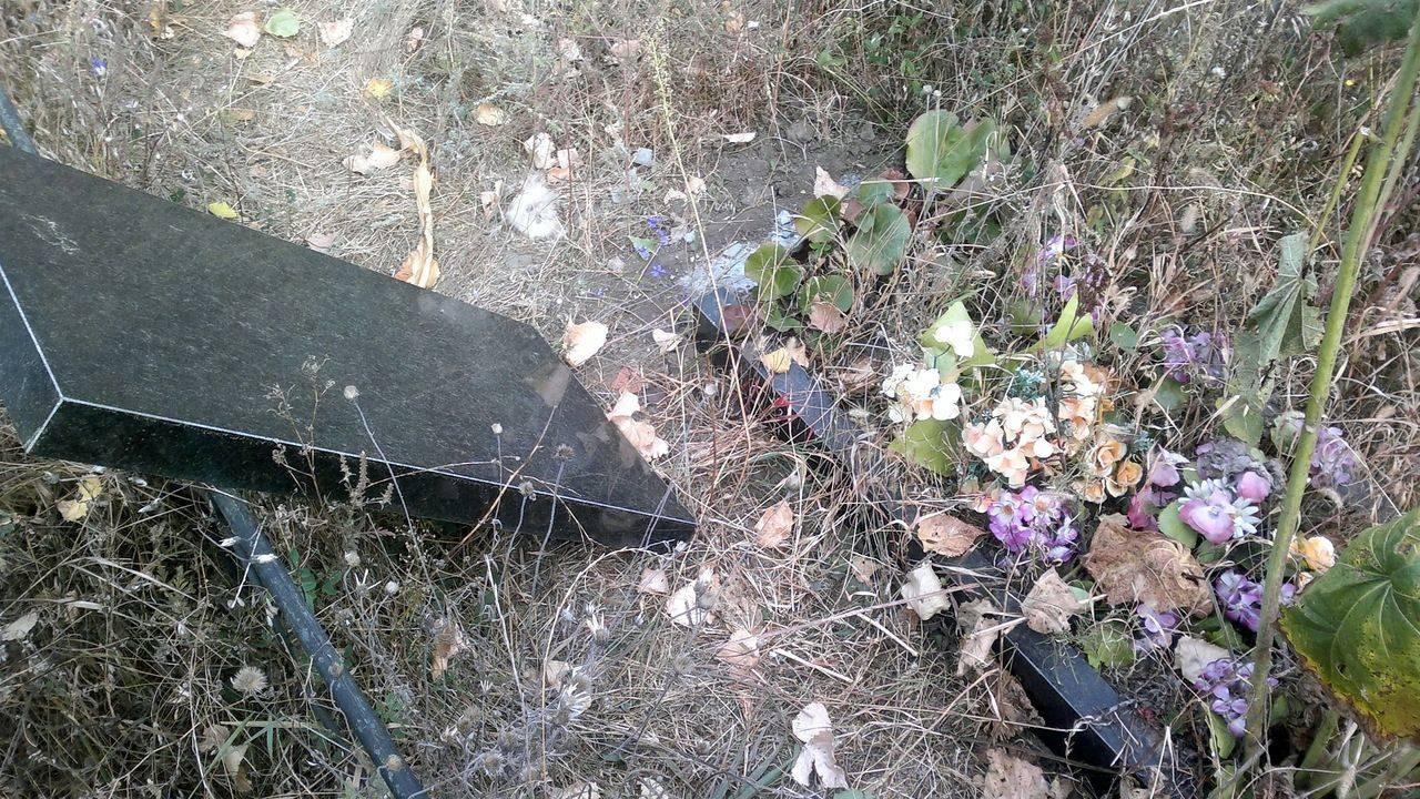 ВПриморье скончался 10-летний ребенок, придавленный могильный плитой