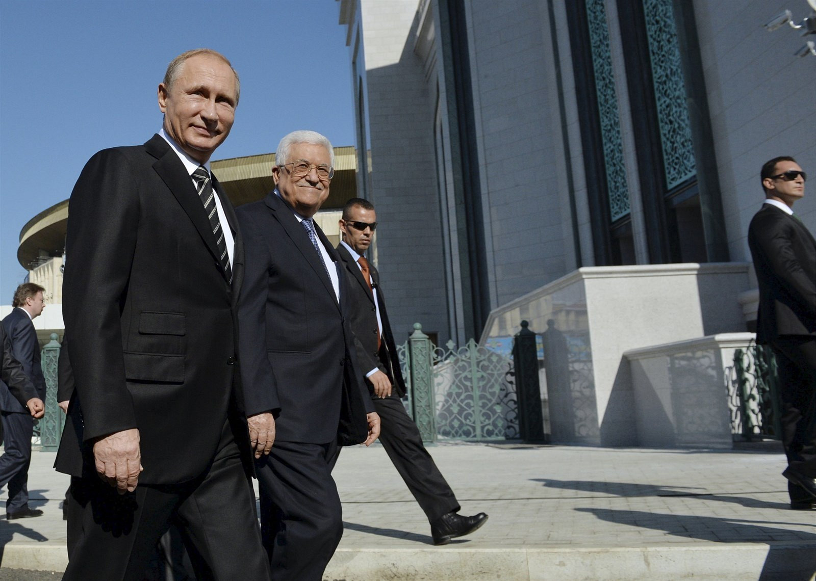Путин иАббас приняли участие воткрытии культурного центра вВифлееме