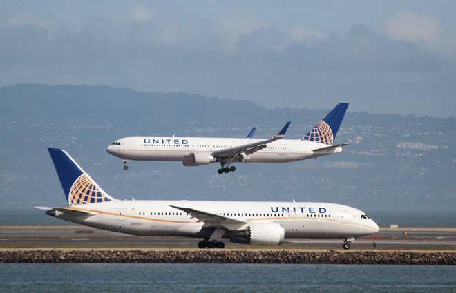 Самолёт авиакомпании United Airlines несмог вылететь из-за скорпиона