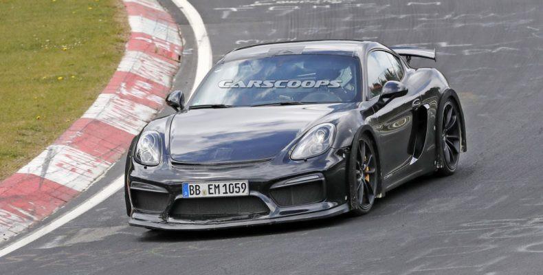 Экстремальное купе Porsche Cayman GT4 замечено натрассе Нюрбургринг