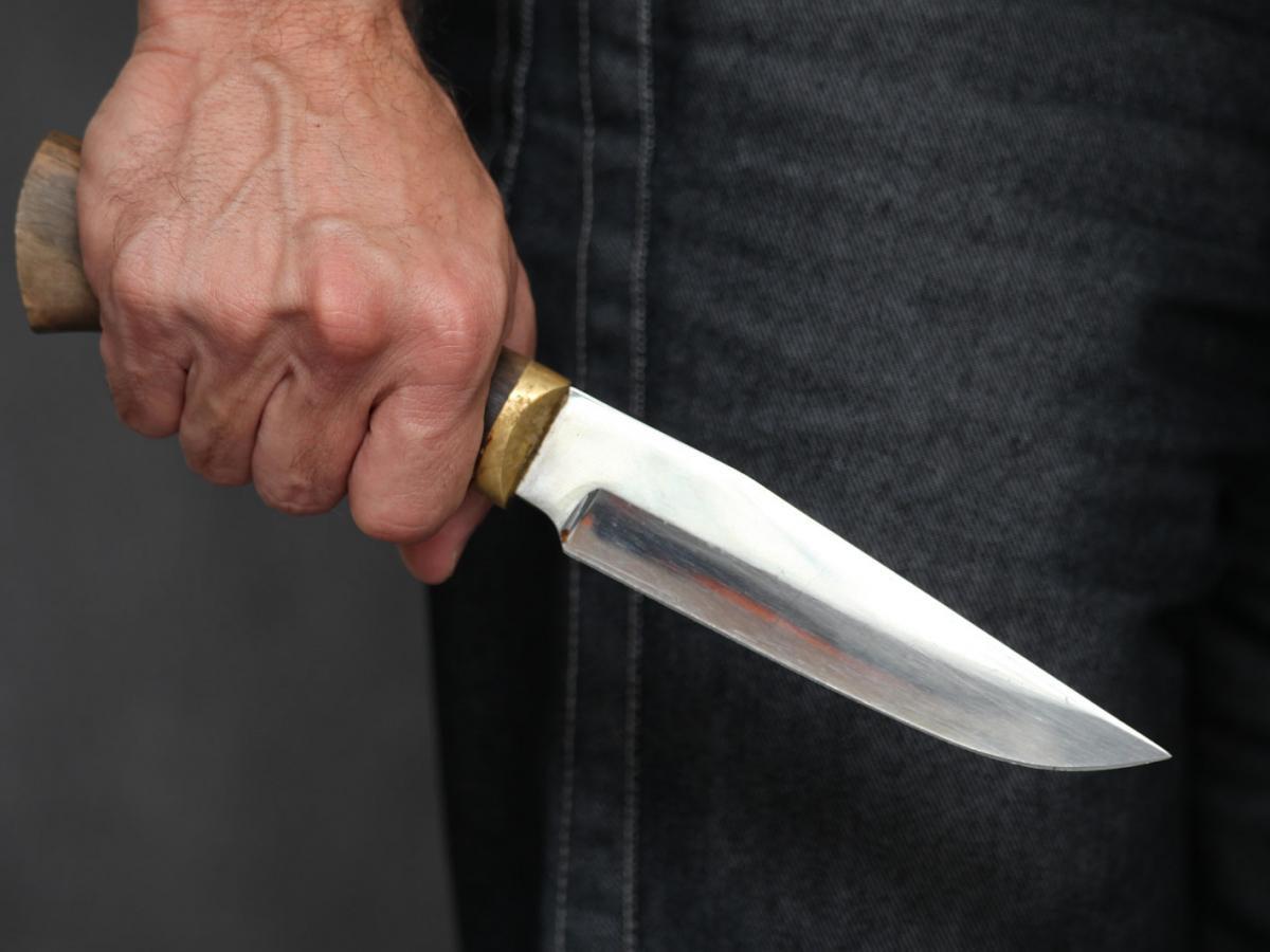 ВИерусалиме мужчина сножом напал насотрудника милиции
